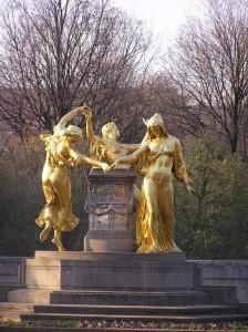 Der Mozartbrunnen in Dresden