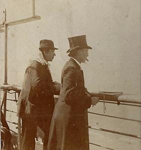 D. Gustav Nebe vorne auf der Hohenzollern